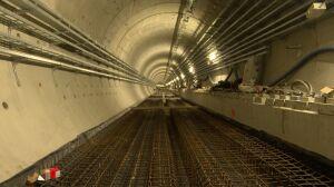 Metro na Woli: kładą torowisko, tynkują ściany, montują instalacje