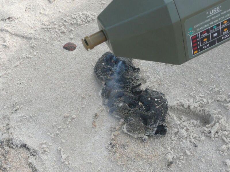 Materiał pod wpływem dotyku reagował samozapłonem (fot. Urząd Morski w Słupsku)