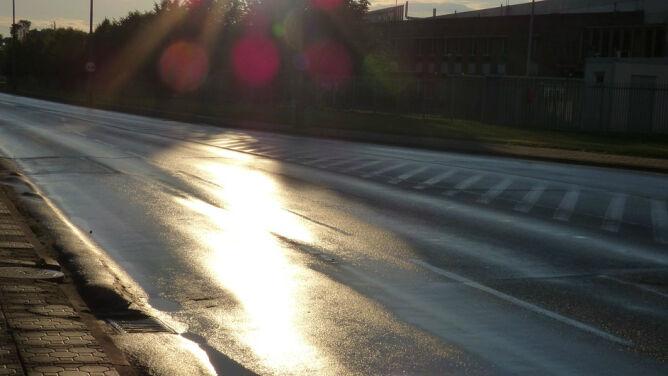 Opady ograniczą widzialność, ale wyjrzy też słońce