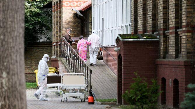 Szef sejmowej komisji zdrowia: nie lekceważmy pandemii, bo sobie z nią nie poradzimy