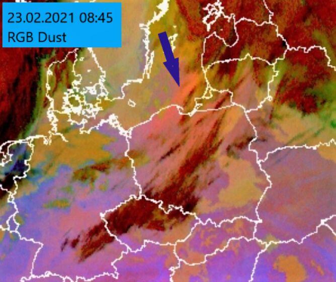 Zdjęcie satelitarne pyłu znad Sahary (IMGW-PIB, EUMETSAT)
